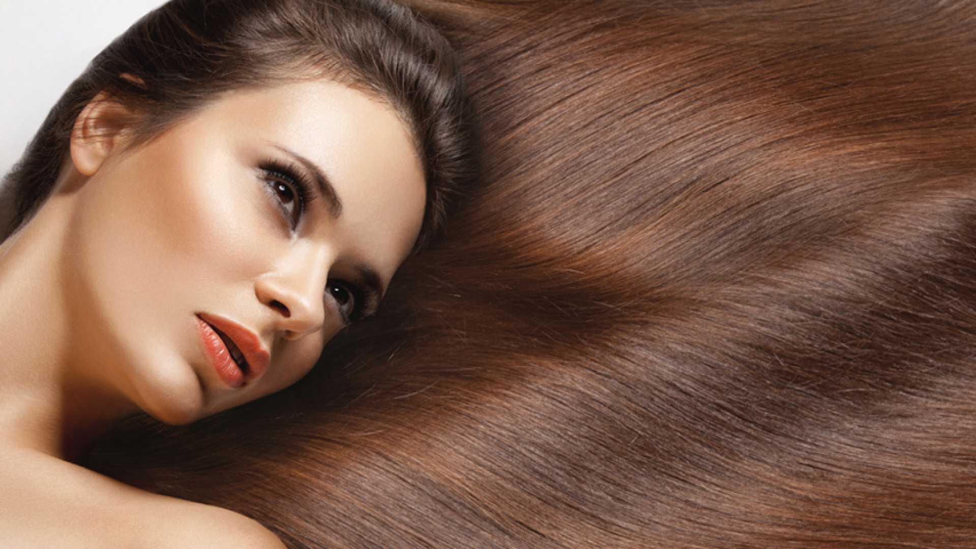 A kollagén por fontos szerepet játszik a dús és fényes haj megóvásában <br>A hosszú, fényes, dús haj egészségét a kollagén is szavatolja