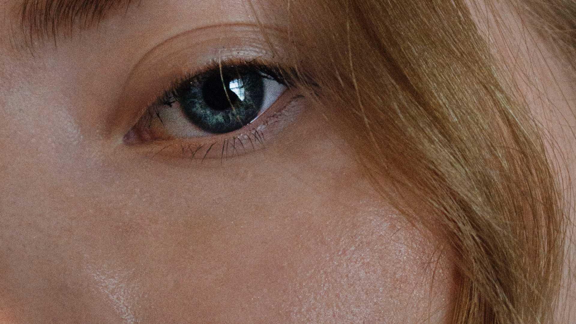 """Gyönyörű női arcbőr-a kollagén hatása<br>Bársonyos, feszes és szép arcbőrt """"varázsolnak"""" a kollagén termékek"""
