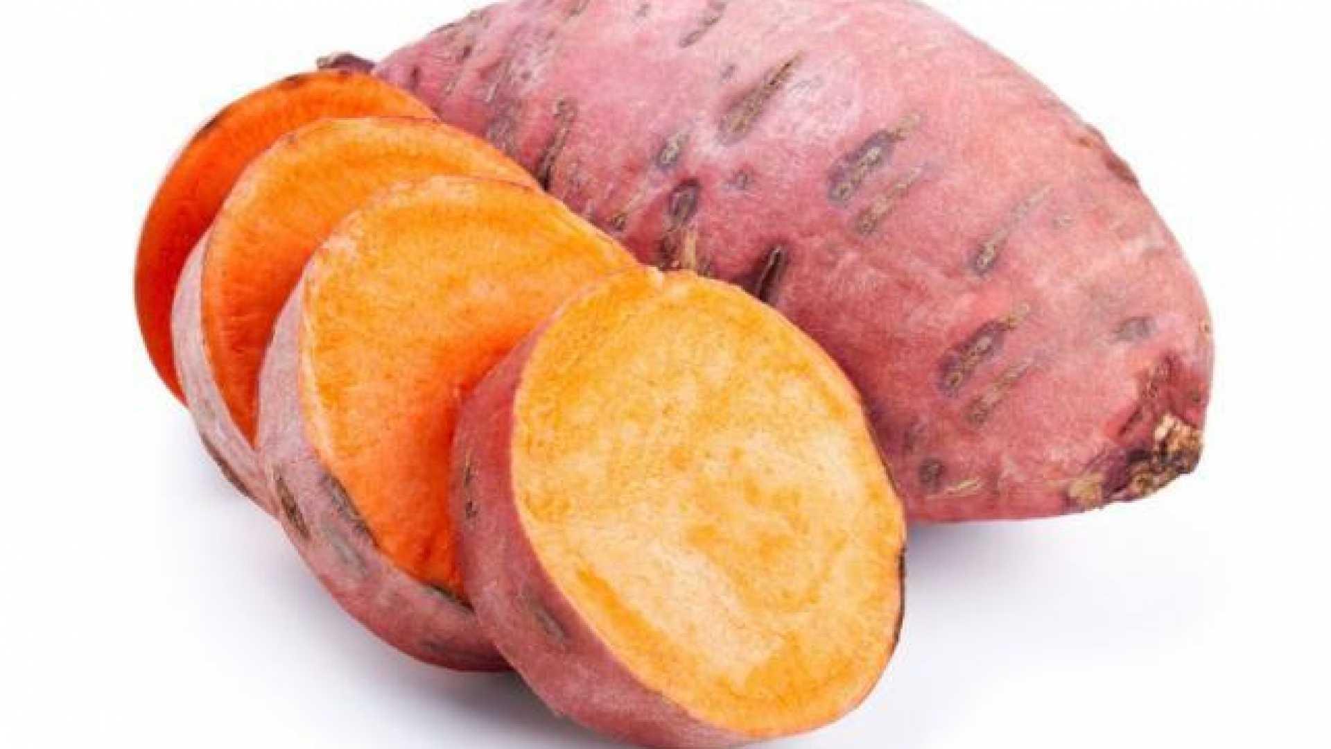 Kollagén hatása-csendélet édesburgonyával<br>Az édesburgonya sok vitamint, ásványi anyagot és kollagént tartalmaz!